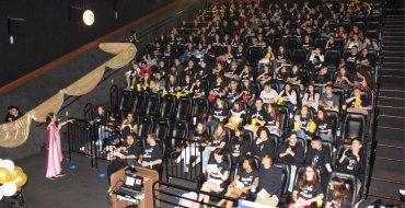 O EIC orgulhosamente apresenta: AULÃO NO CINEMA!