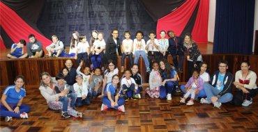Projeto Ação Solidária traz educandos da Creche Girassol ao EIC
