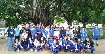Confraternização da Pastoral e educandos do EIC com as crianças da Creche Girassol