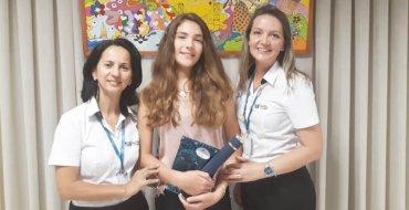 Educanda Laura Poletto recebe o título de Vereadora Mirim