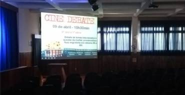 Cine debate com educandos do 9º ano e EM